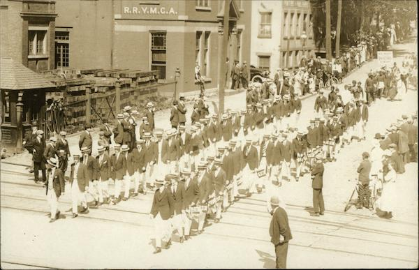 RPI Students in Parade